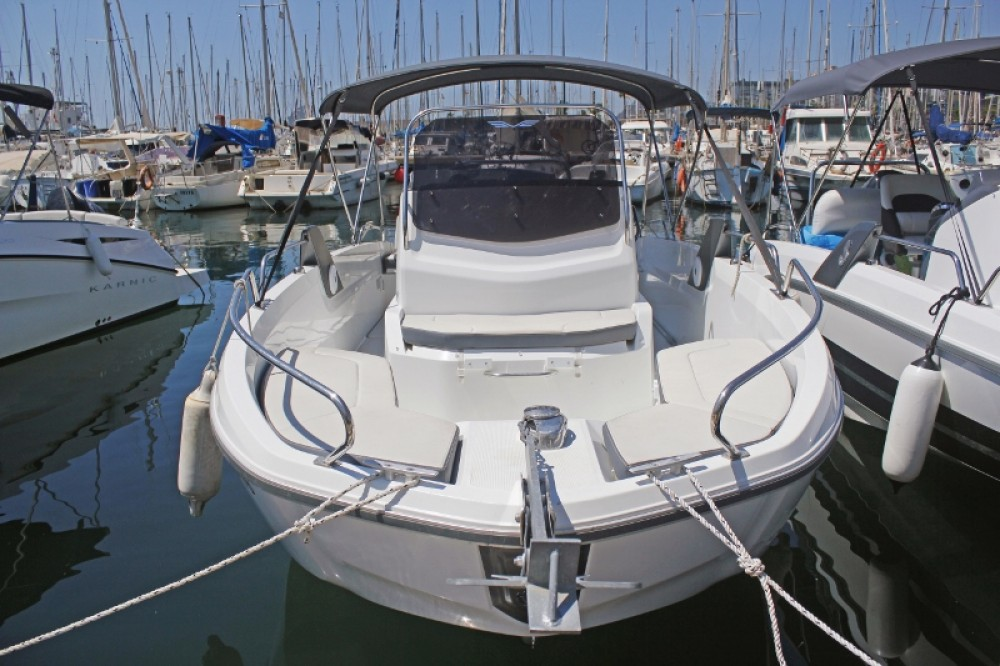 Rental Motor boat in Barcelona - Bénéteau Flyer 6.6 SPACEdeck