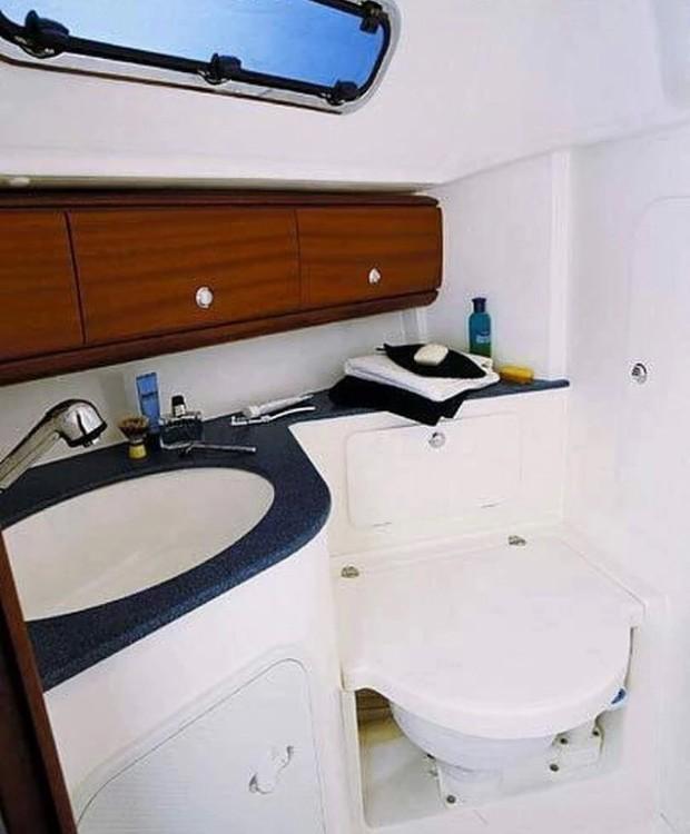 Rental yacht Athens - Bavaria 32 on SamBoat