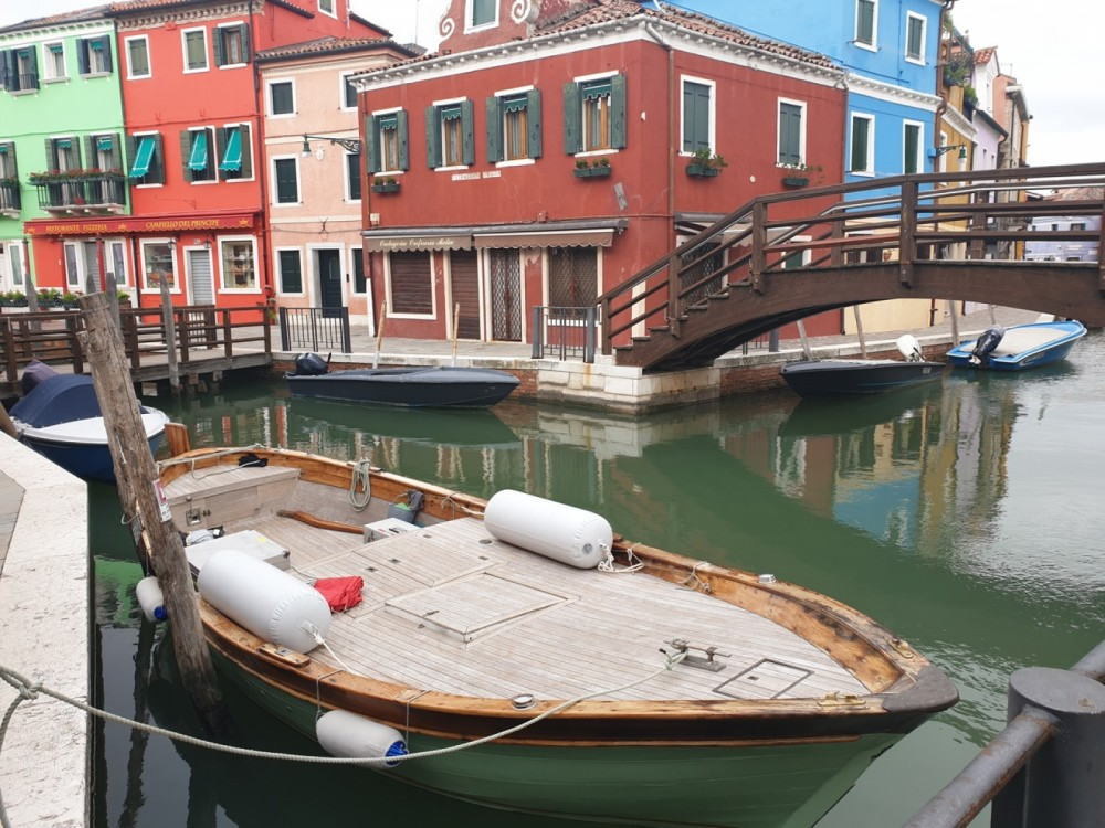Rental Motorboat in Treporti - Barca d'epoca in legno  Gozzo