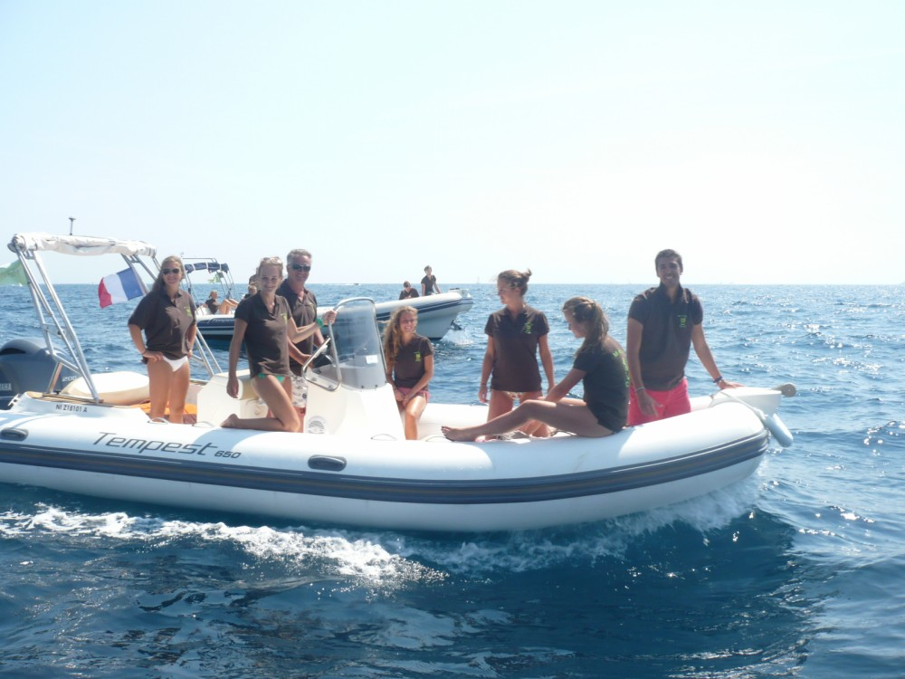 Boat rental Capelli Tempest 650 in Sainte-Maxime on Samboat