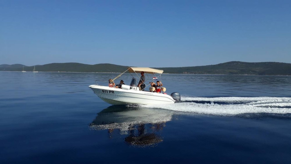 Motorboat for rent Ugljan at the best price