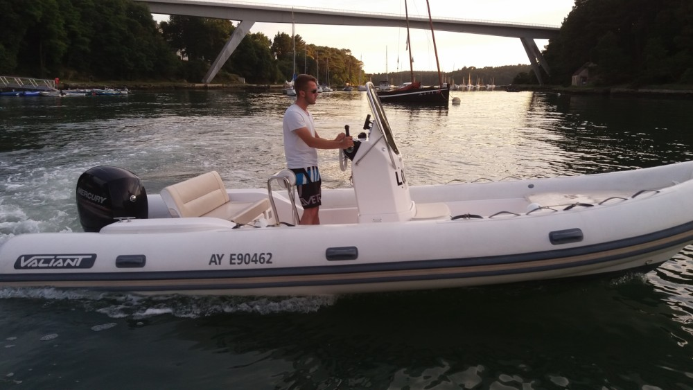 Rental yacht Le Bono - Valiant Valiant 630 Classic Hypalon on SamBoat