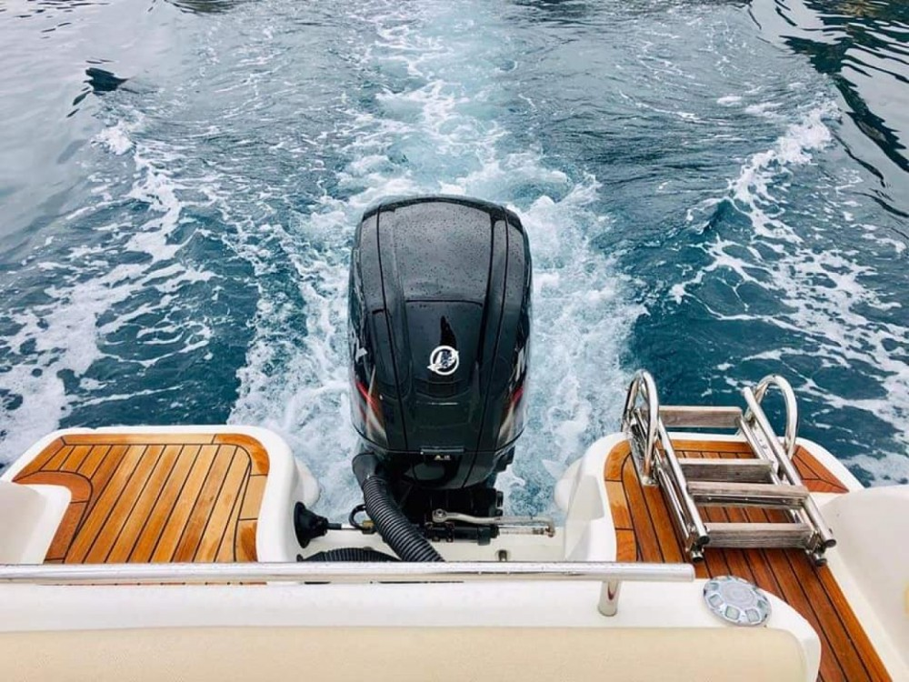 Rental Motorboat Allegra Boats with a permit