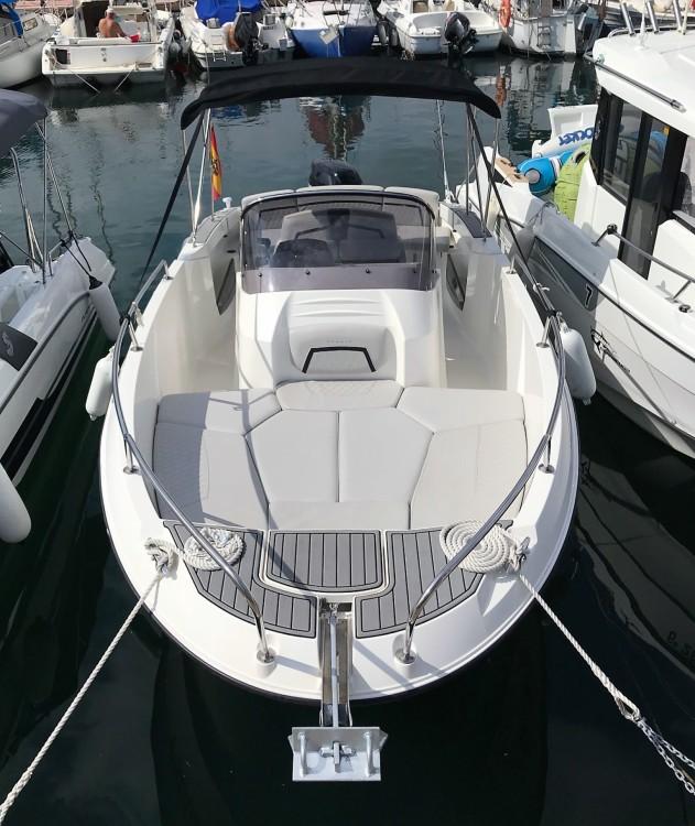 Rental Motor boat in Barcelona - Karnic 2251 MKII