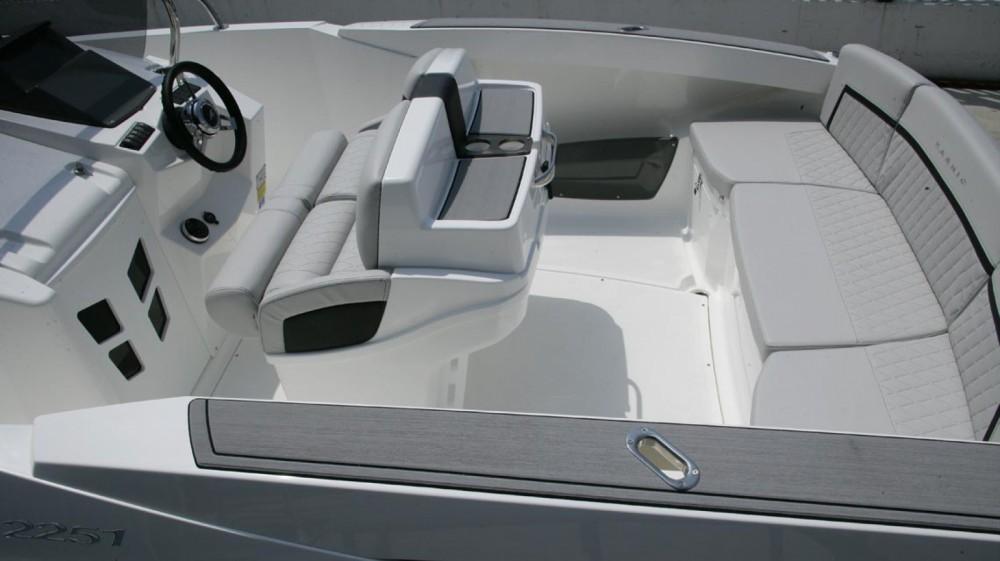 Boat rental Karnic 2251 MKII in Barcelona on Samboat