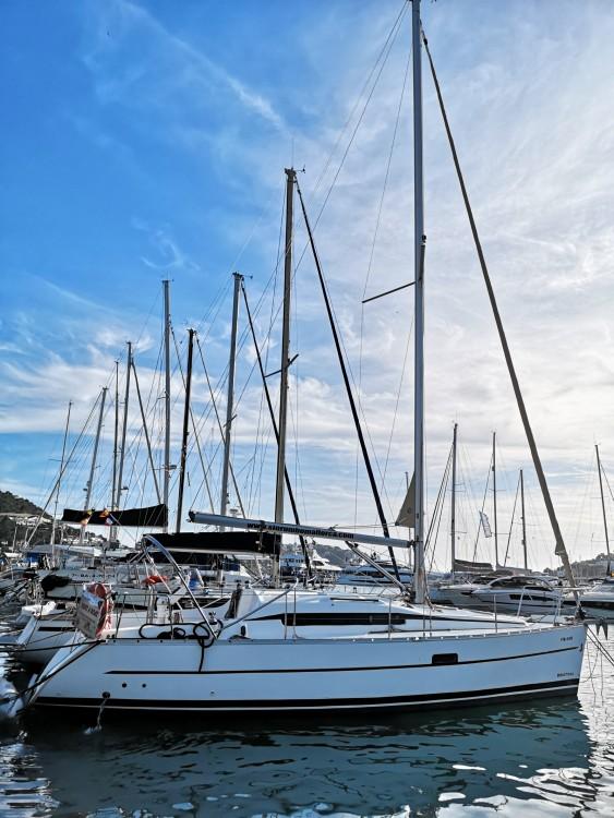 Bénéteau Oceanis 323 Clipper between personal and professional Port d'Andratx