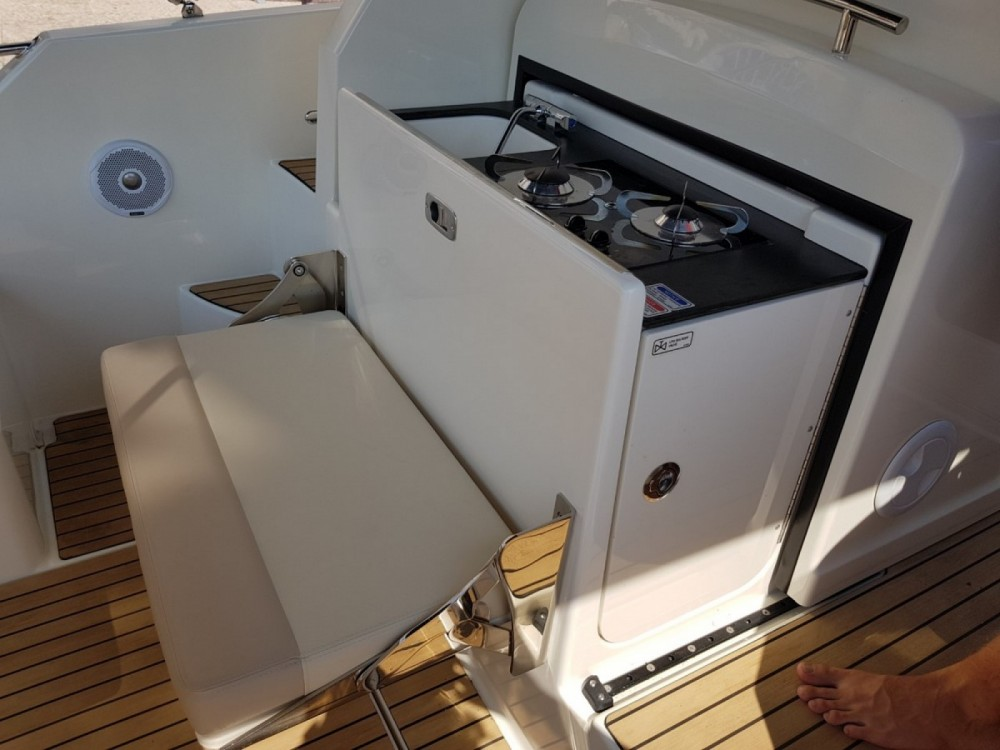 Boat rental Fréjus cheap Activ 875 Sun Deck