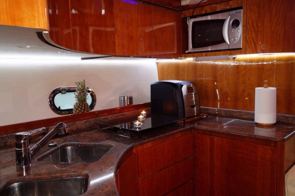 Motorboat for rent Heraklion at the best price