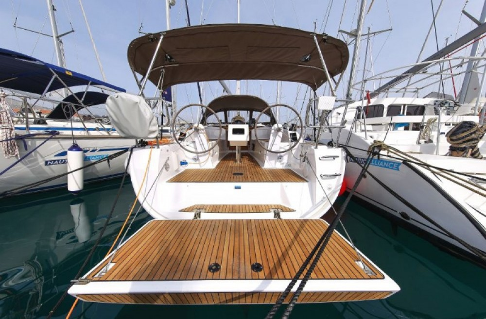 Hire Sailboat with or without skipper Bavaria Barcelona