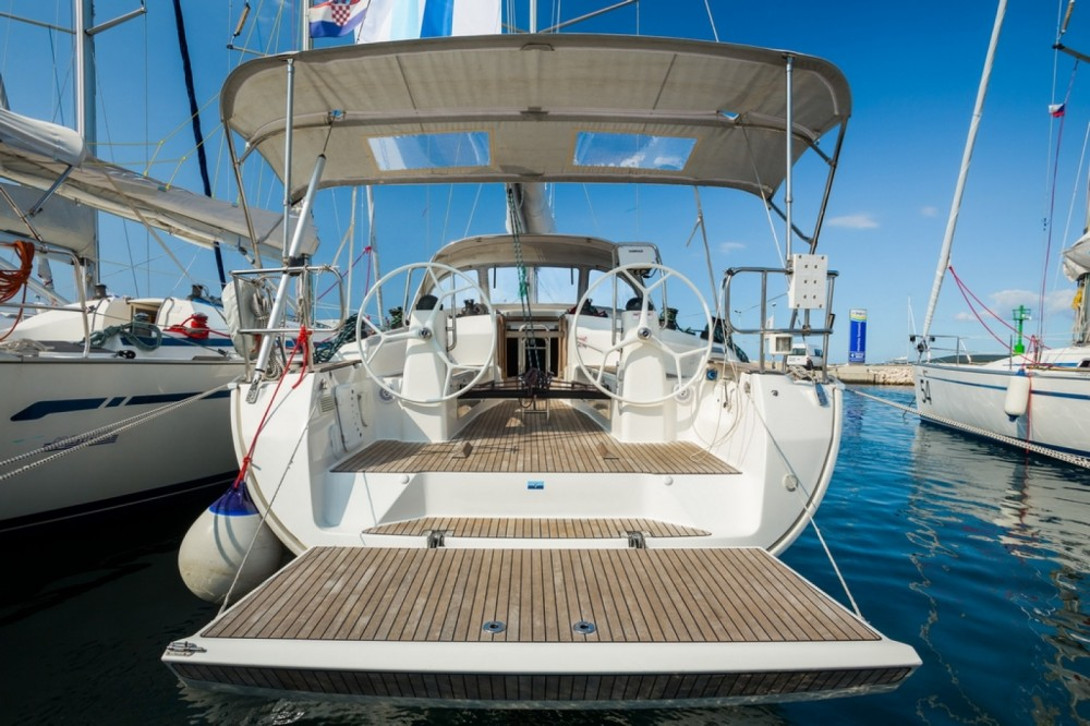 Boat rental Bavaria Bavaria 40 Cruiser in Barcelona on Samboat