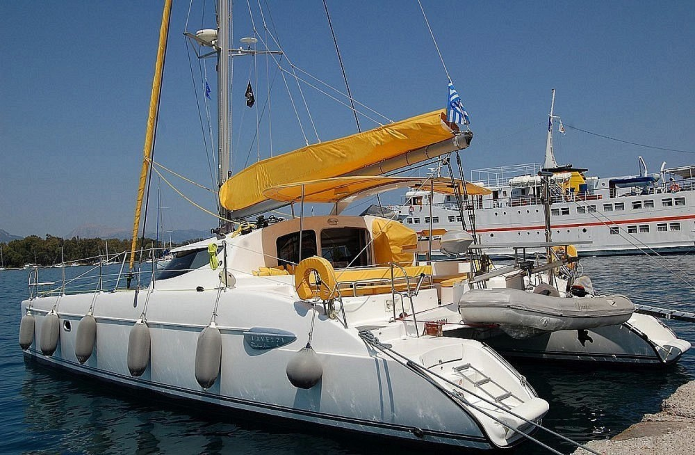 Lavezzi 40 between personal and professional Athens