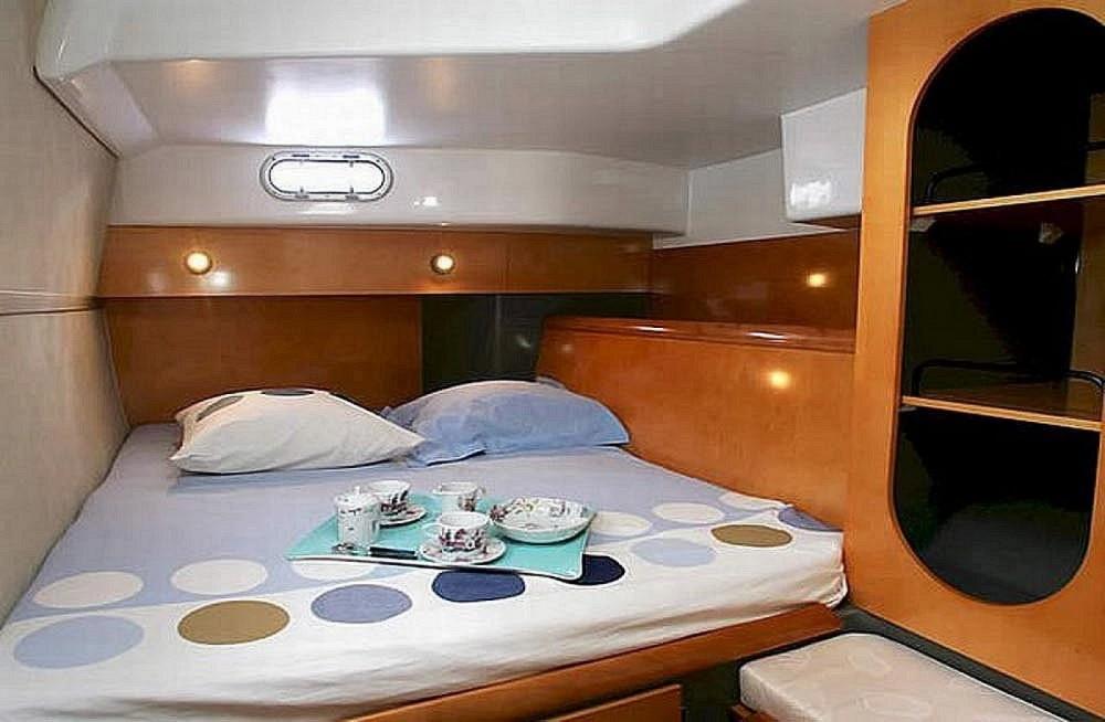 Rental Catamaran Lavezzi with a permit