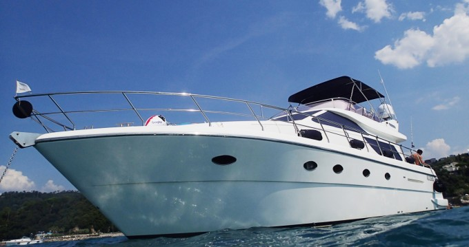 Boat rental Uniesse 55 My in La Spezia on Samboat