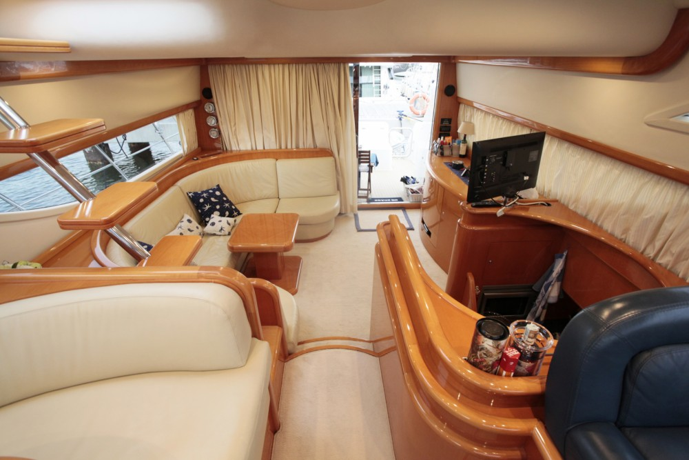 Motorboat for rent La Spezia at the best price