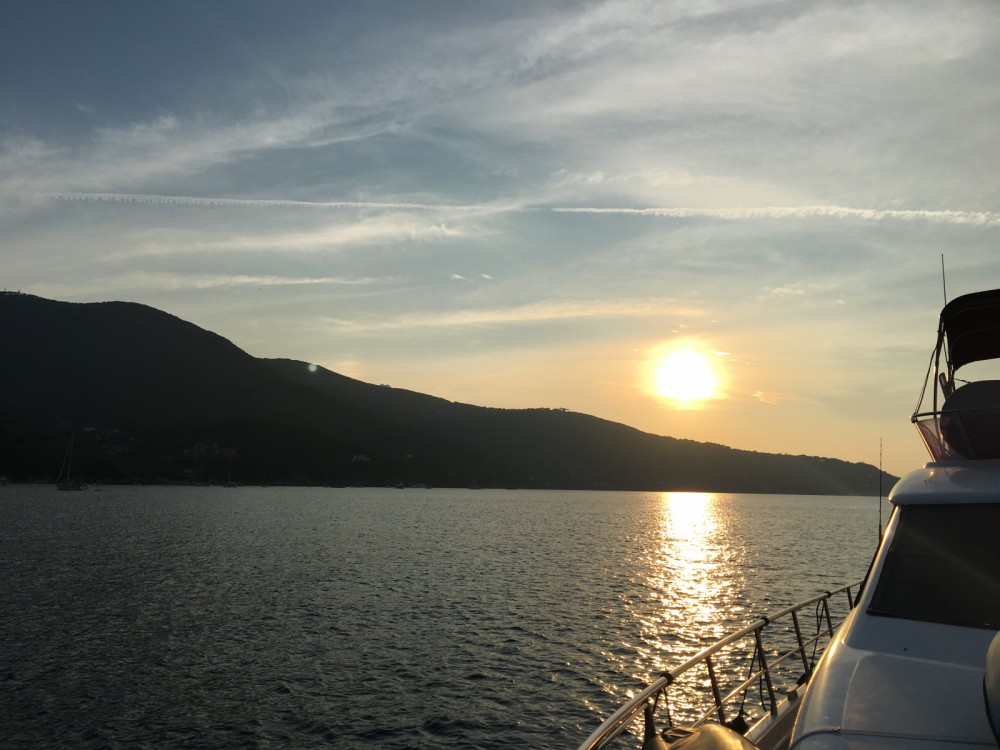 Hire Motorboat with or without skipper Uniesse La Spezia