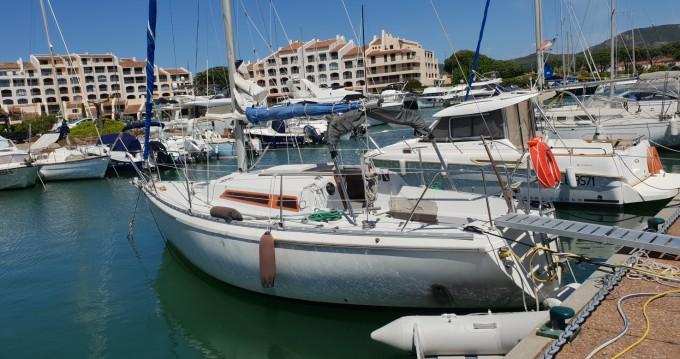 Rental yacht Cogolin - Jeanneau Aquila on SamBoat