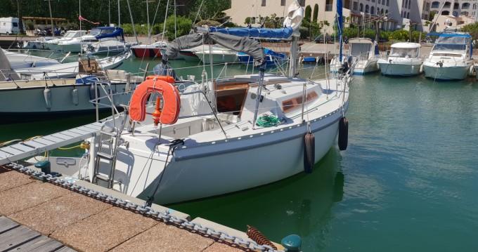 Boat rental Jeanneau Aquila in Cogolin on Samboat