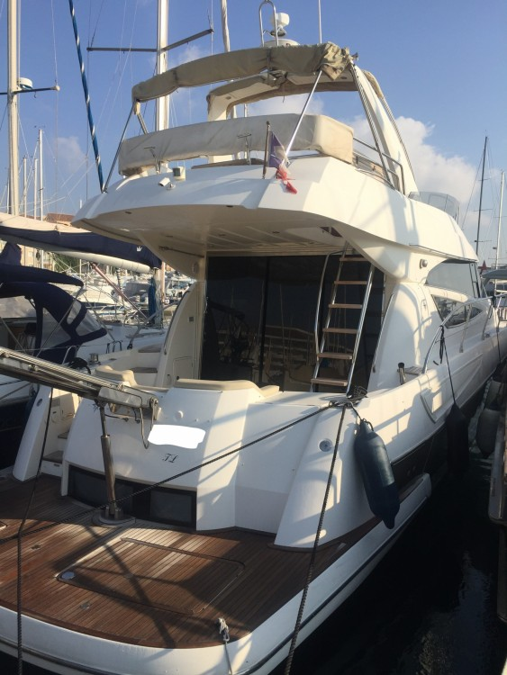 Jeanneau Prestige 50 Fly between personal and professional Hyères