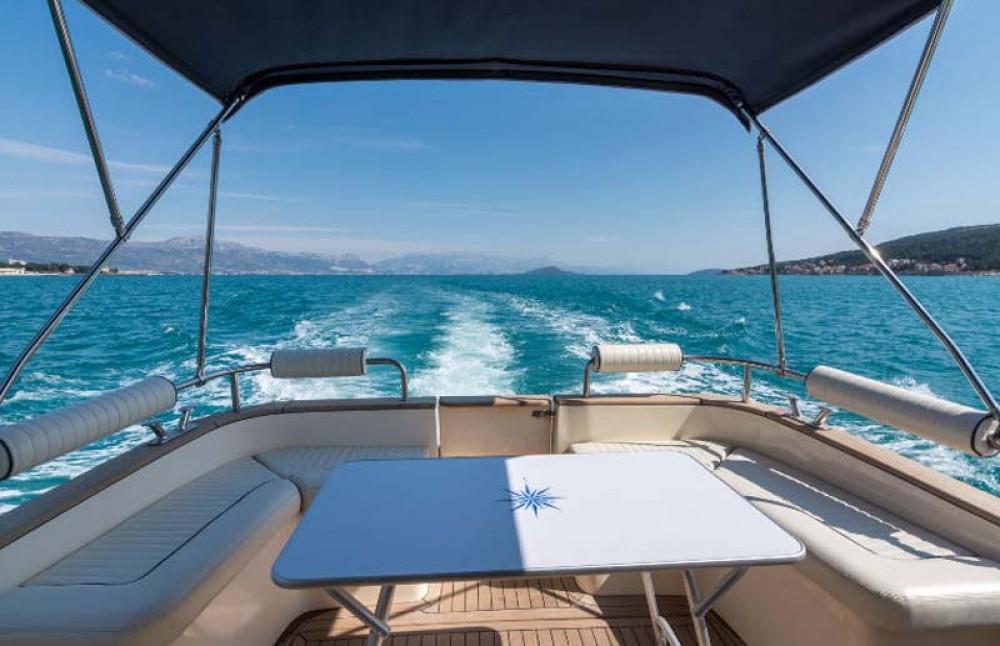 Rental Motorboat in Trogir - Damor Fjera 980