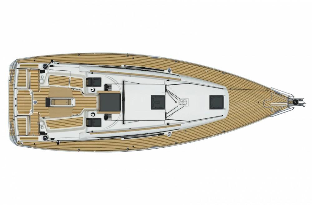Rental Sailboat in Toulon - Jeanneau Sun Odyssey 379 Perf