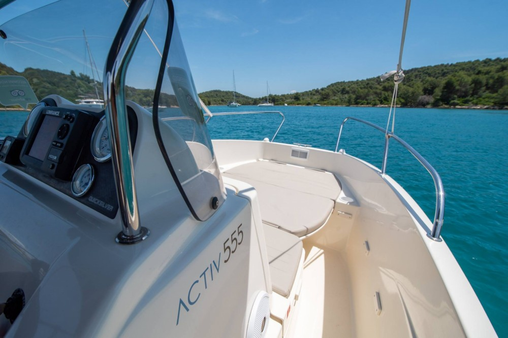 Rental Motorboat in Trogir - Quicksilver Activ 555 Open