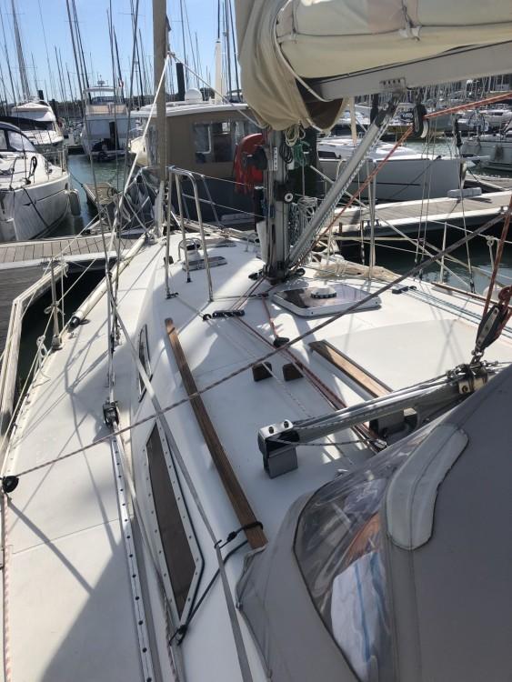 Boat rental Jeanneau Sun Legend 41 in La Rochelle on Samboat
