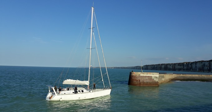 Boat rental Construction-A-Lunite  TX 57 in Le Havre on Samboat
