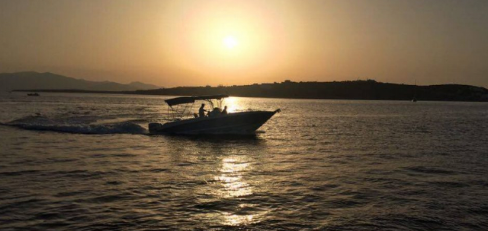 Motorboat for rent Parikia at the best price