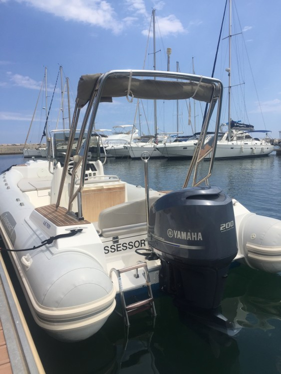 Boat rental Capelli Tempest 700 Sun in Nice on Samboat