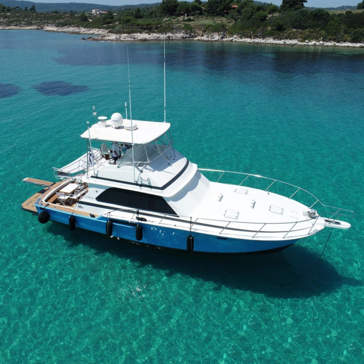 Rental Motorboat in Ormos Panagias - Bertram 46.6 convertible flybridge