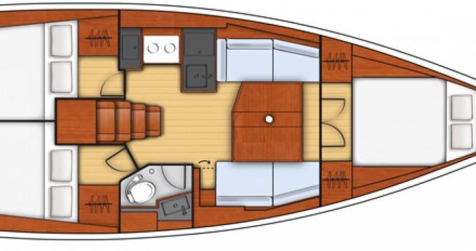 Rental yacht Hyères - Bénéteau Oceanis 38.1 on SamBoat