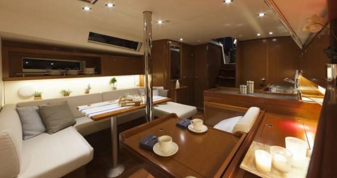 Rental yacht Hyères - Bénéteau Oceanis 41 on SamBoat