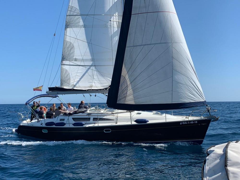 Boat rental Jeanneau Sun Odyssey 40 in Port Olímpic on Samboat