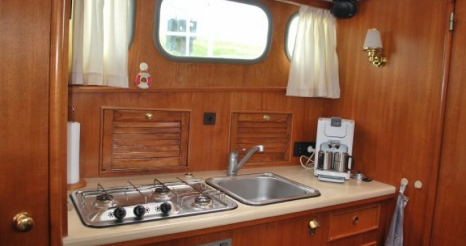 Hire Canal boat with or without skipper Altena Rohan