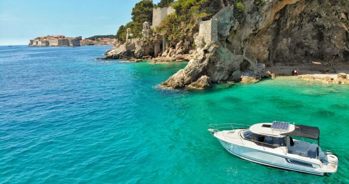 Rental Motorboat in Dubrovnik - Jeanneau Merry Fisher 795
