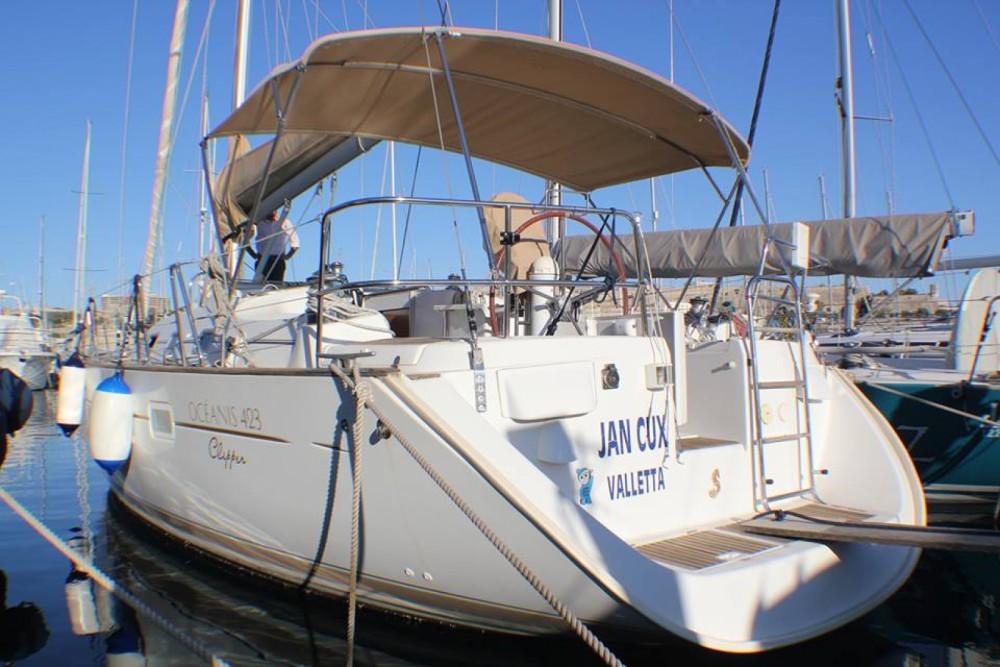 Boat rental Bénéteau Oceanis 423 Clipper in Ta' Xbiex on Samboat