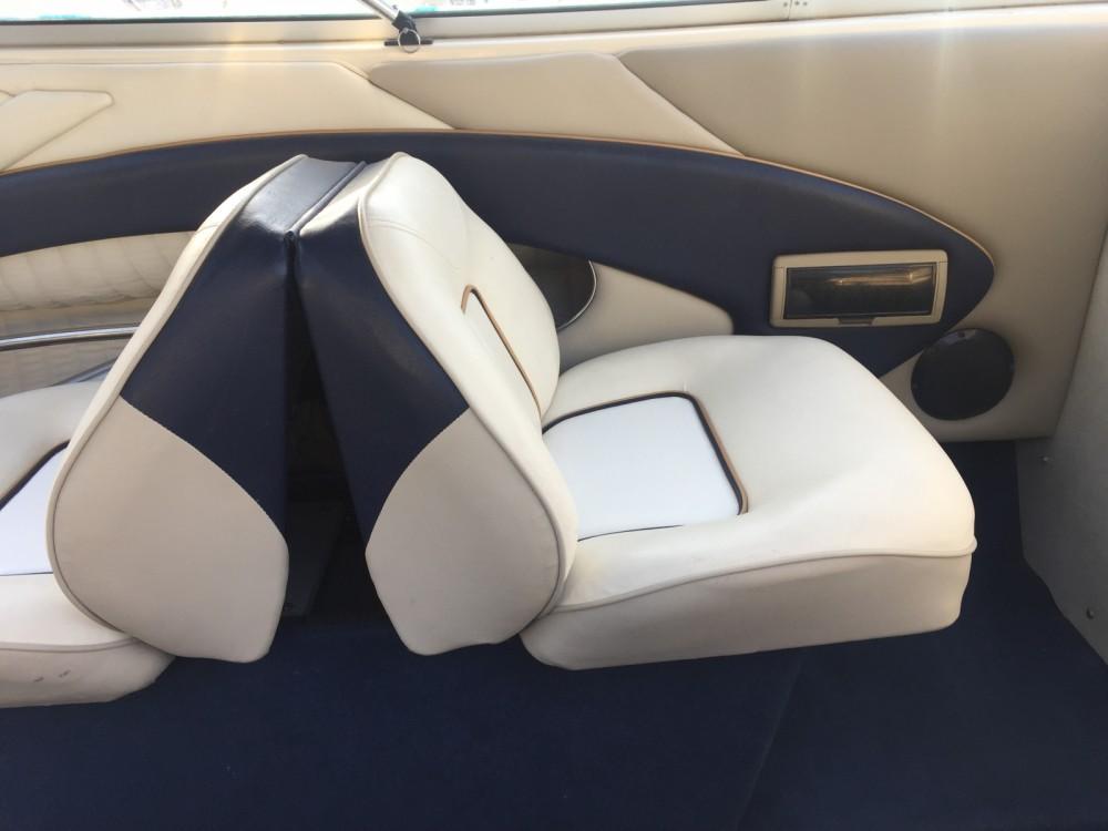 Rental Motorboat in Split - Bayliner Capri 2052