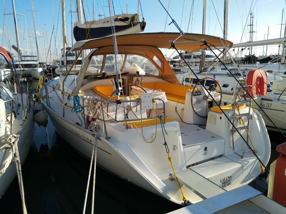 Sailboat for rent Salamina at the best price