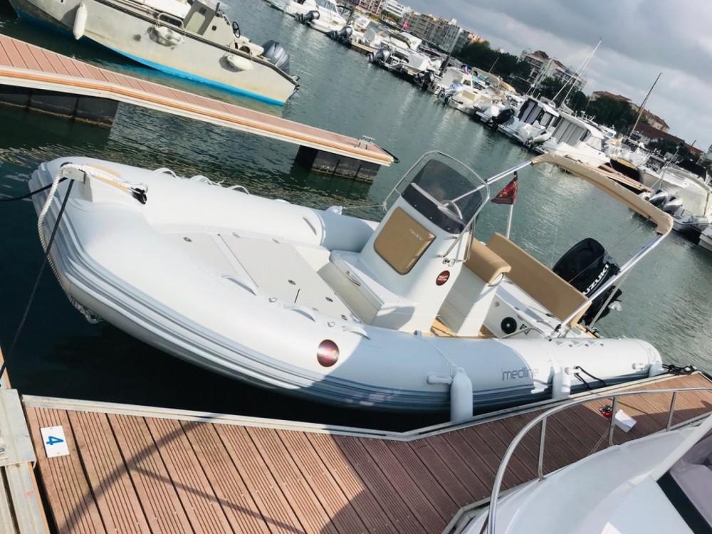 Boat rental Zodiac Medline 660 in Arcachon on Samboat