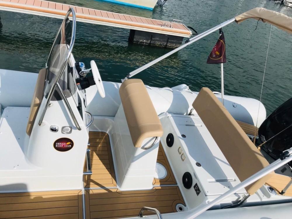Rental yacht Arcachon - Zodiac Medline 660 on SamBoat