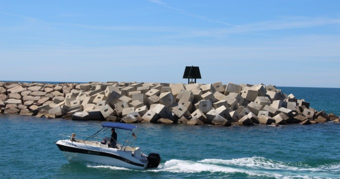 Hire Motorboat with or without skipper Marinello Roda de Barà