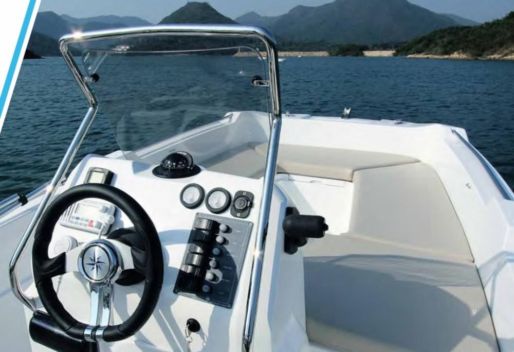 Rental Motorboat in Torrevieja - V2 500 open luxe