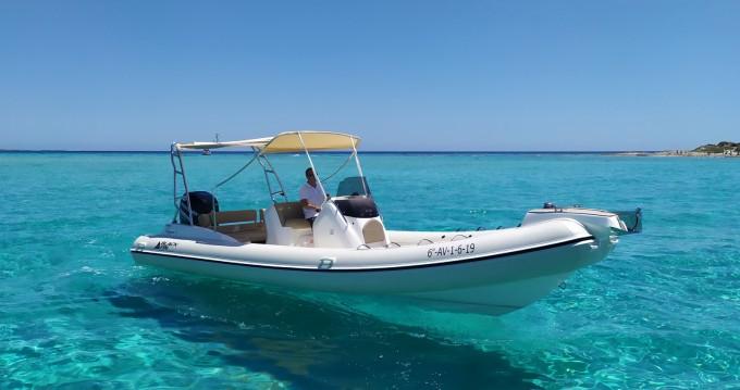 Boat rental Ibiza Town cheap Blackfin 8 Elegance