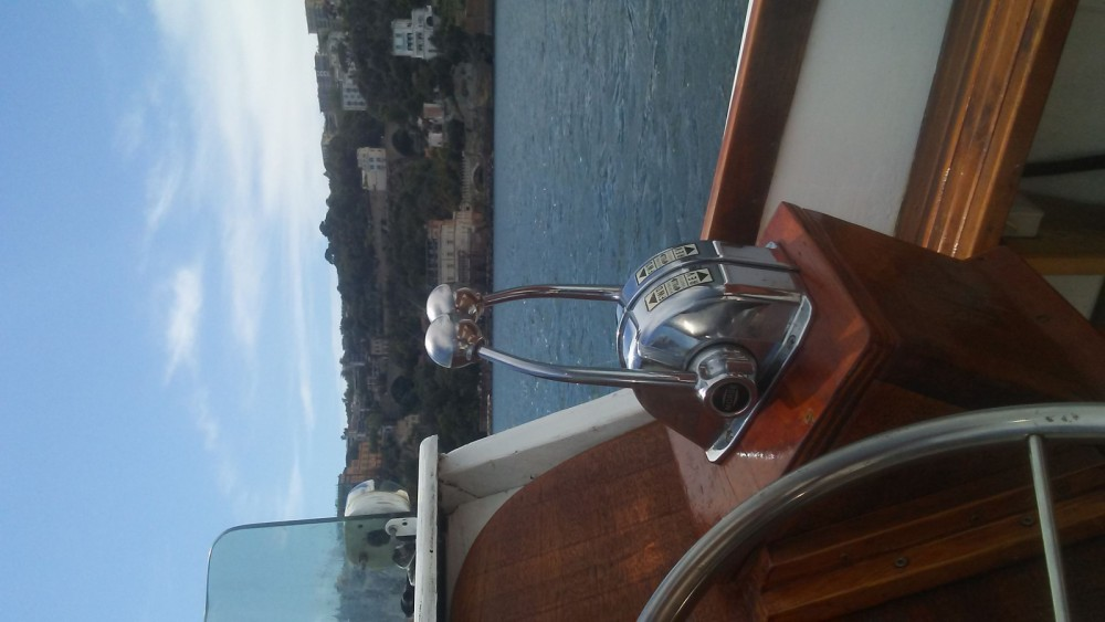 Boat rental Naples cheap 30 classe