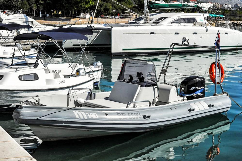 Rental yacht Zablaće - Marshall m140 on SamBoat