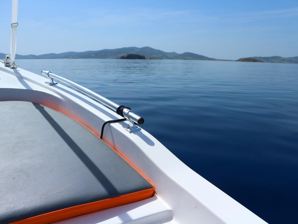 Boat rental  cheap 450