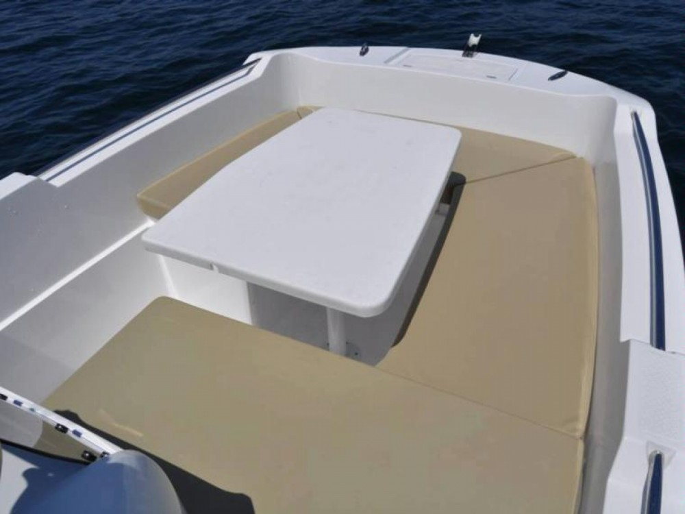 Boat rental V2 BOATS 5.0 SPORT in Balearic Islands on Samboat