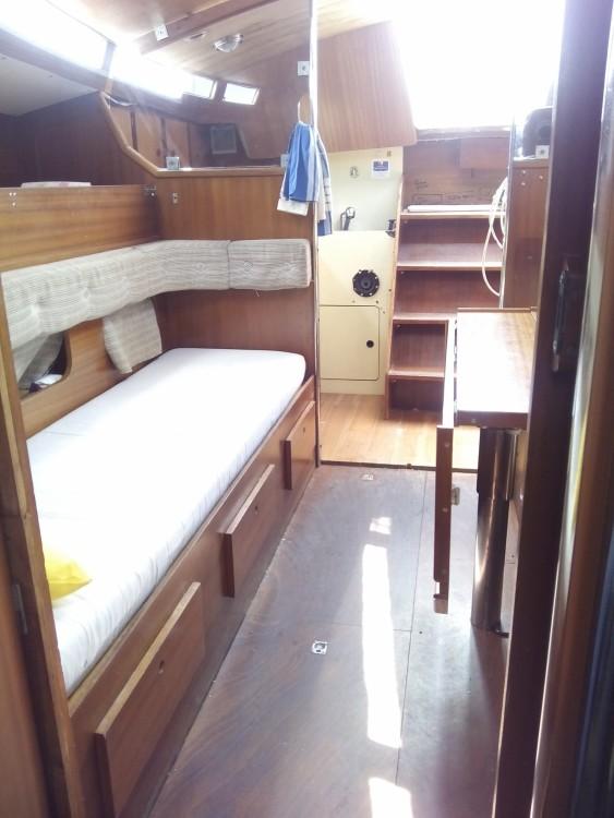 Rental Sailboat in  - Jeanneau Gin Fizz Ketch