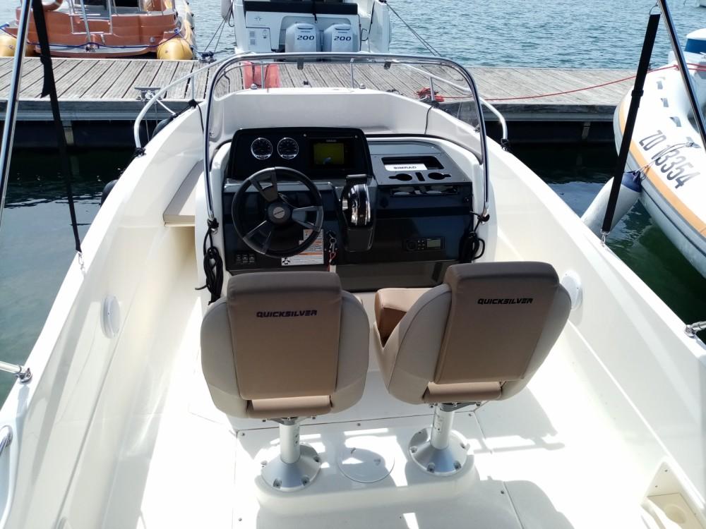 Rental Motorboat in Grad Pula - Quicksilver Active 605 Open
