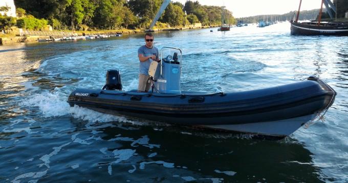 Rent a Valiant DR 520 Fishing Bono